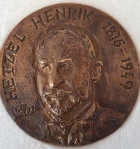 heztel_henrik_emlekerem